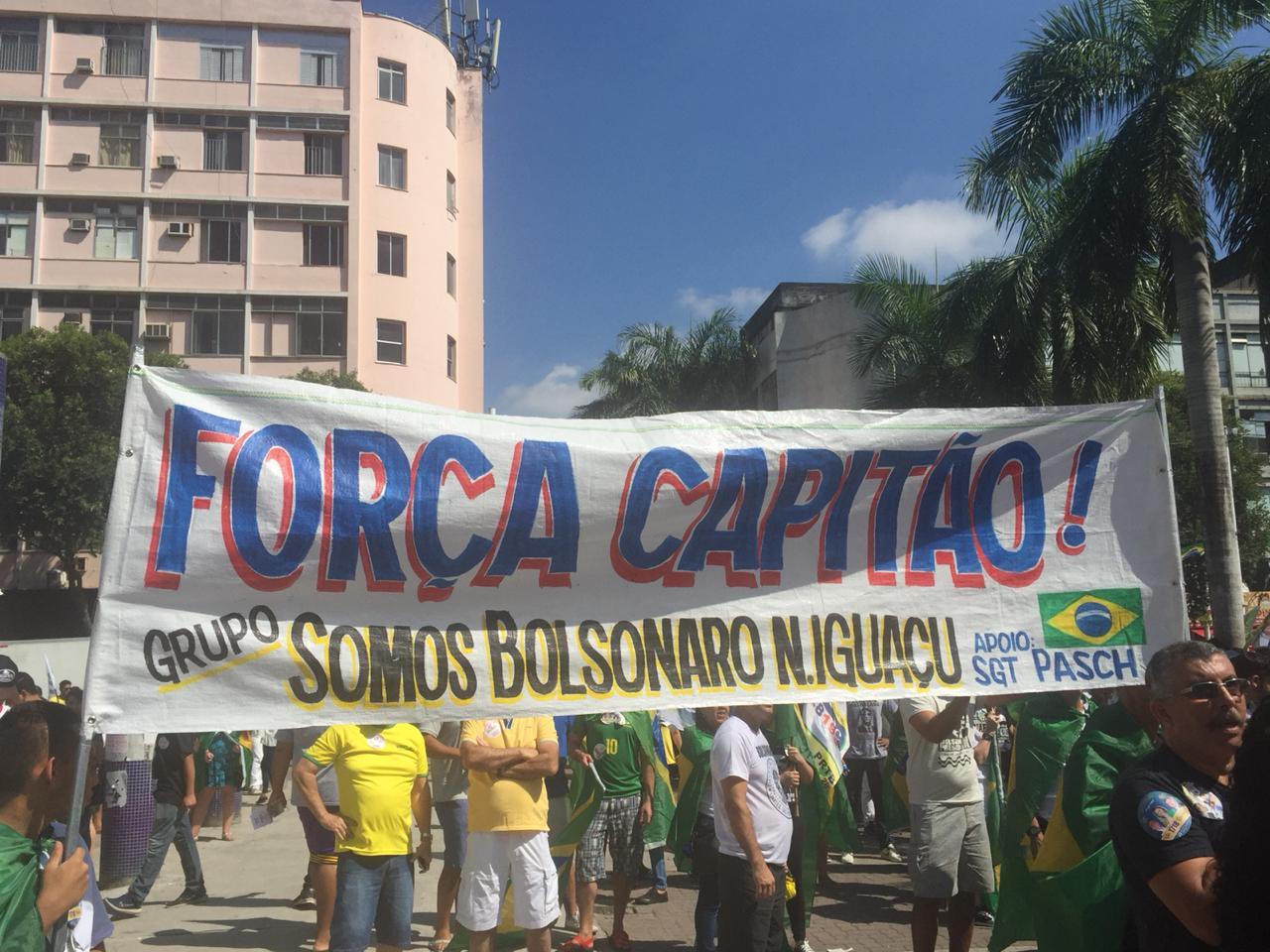 Dan de alta a candidato apuñalado en Brasil